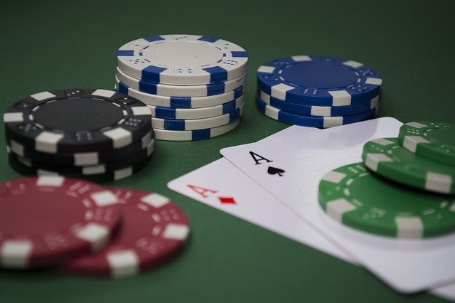 Online Poker- Tips To Become a Perfect Player