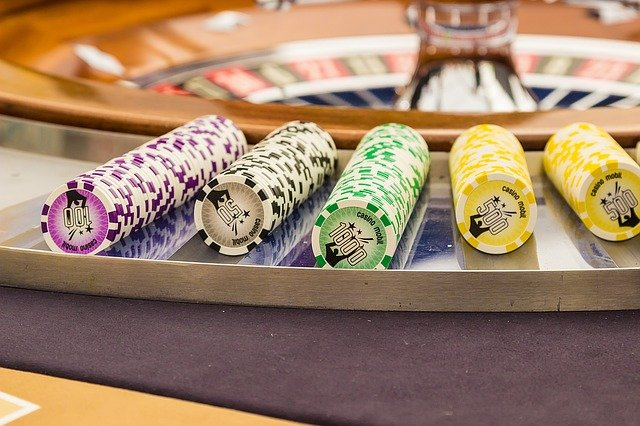 What are the resourceful tips to win a higher cash amount on licensed online gambling websites?