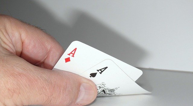 Unvei The Merits Of Considering Online-gambling Rather Than Seeing The Nearby Games?